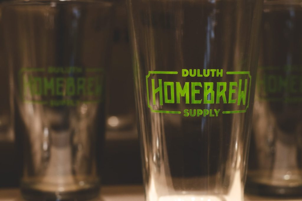 Duluth Homebrew pint glass with logo